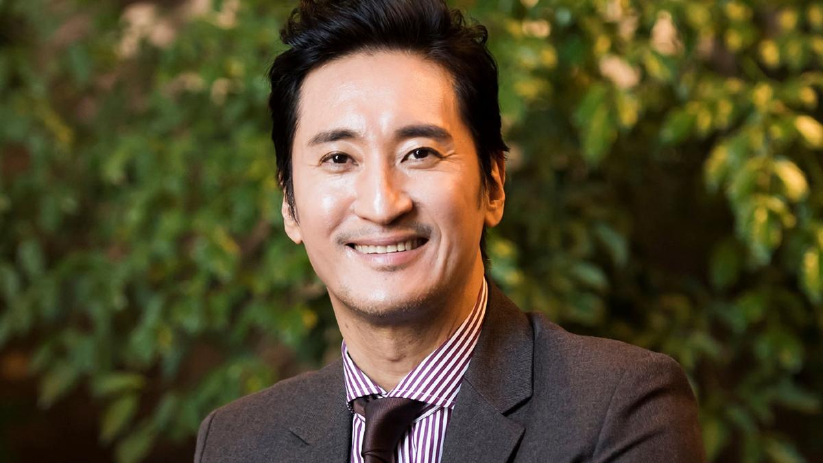 Shin Hyun Joon được nhiều khán giả biết đến qua vai diễn trong phim Nấc thang lên thiên đường.