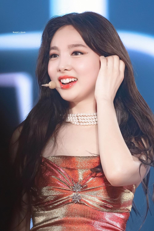 Na Yeon là thành viên nổi tiếng nhất trong đội hình Twice.