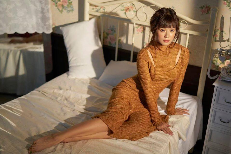 Hoàng Yến Chibi vừa ngây thơ, vừa sexy trong bộ ảnh mới.