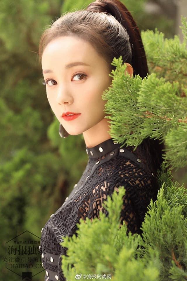 Lý Nhất Đồng đảm nhận vai nữ chính.
