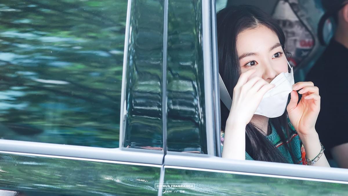 Khoảnh khắc đẹp như phim của Irene khiến fan ôm tim - 4