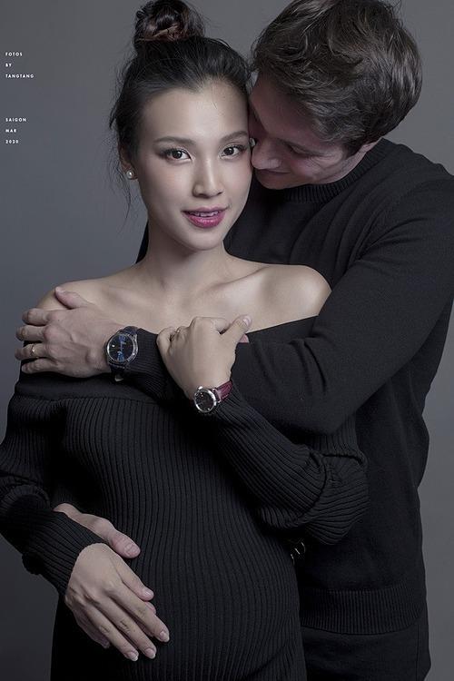 Hoàng Oanh xác định tâm lý sẽ vượt cạn một mình.