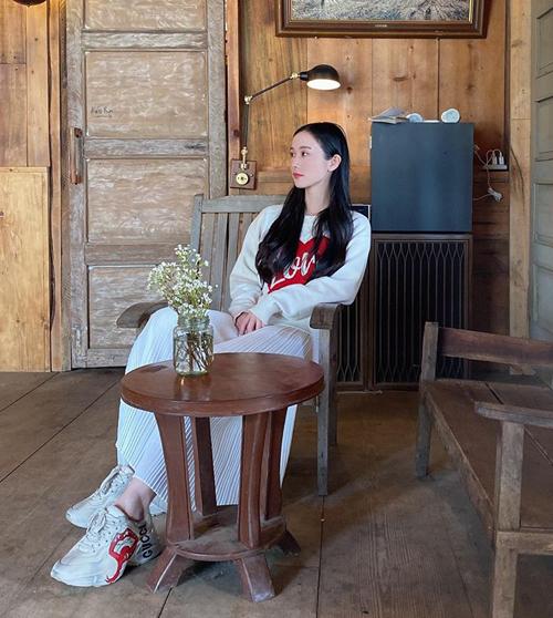Jun Vũ tha hồ mặc đồ ấm áp, xinh xắn khi đi Đà Lạt.