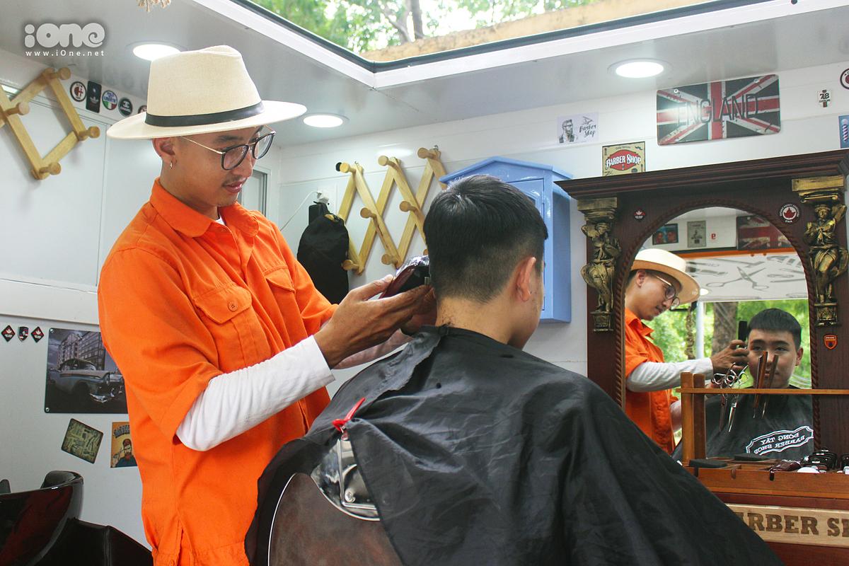 Mỗi kiểu đầu sẽ được cắt từ 20 - 30 phút.