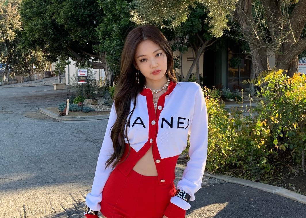 10 lần diện đồ đỏ chặt chém của Jennie - 20