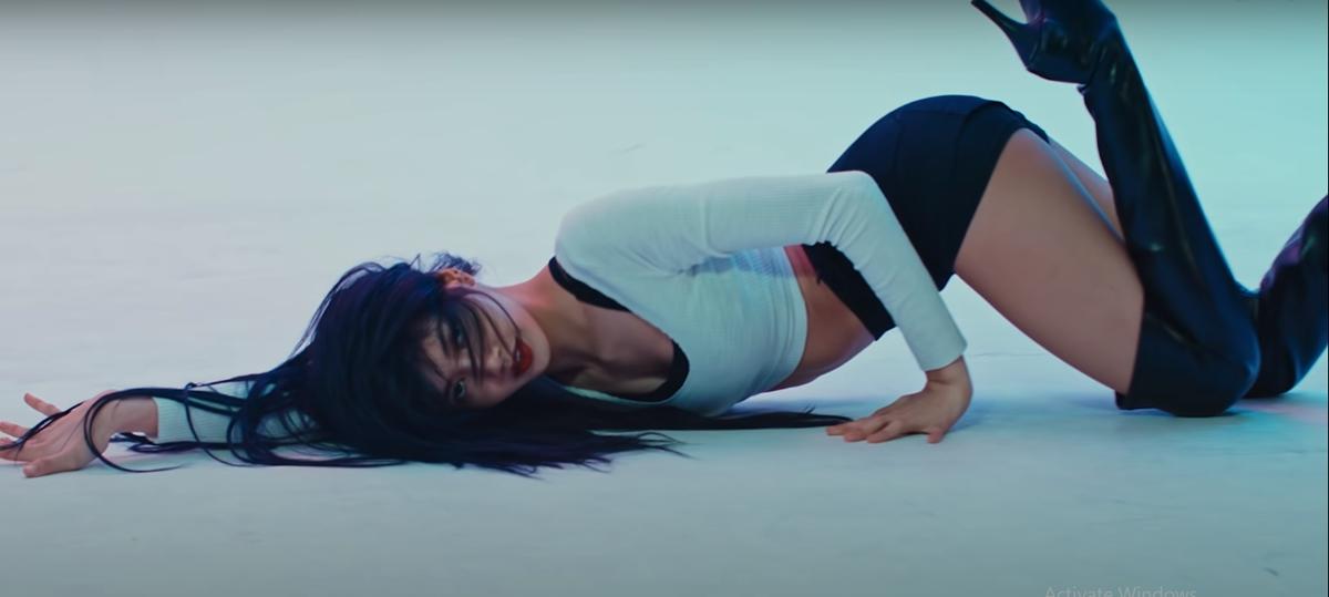 Hình ảnh của Lisa trong video vũ đạo Lilis Film 3 từng gây sốt trên mạng xã hội hồi tháng 4.