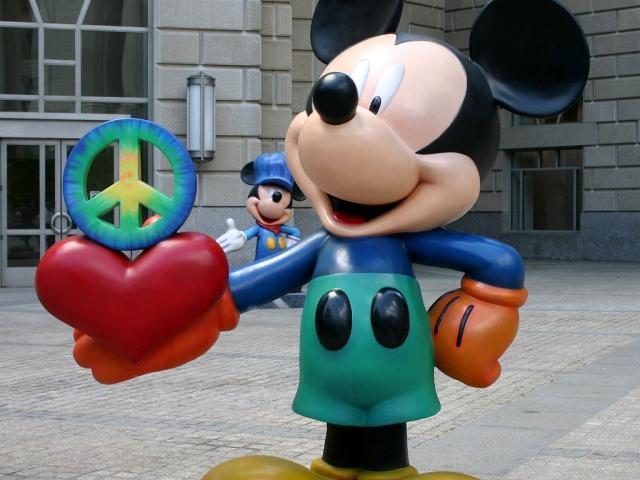 Đoán nhân vật Disney qua 2 cụm từ gợi ý