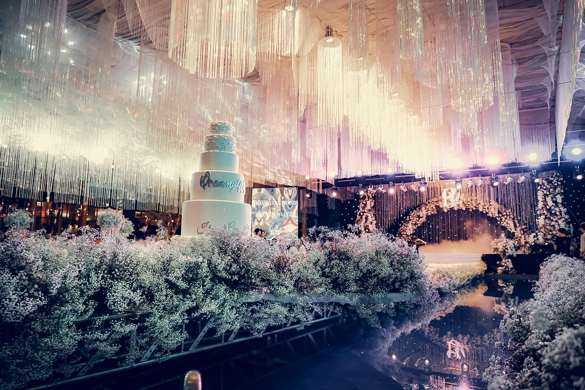 Không gian cưới lung linh của Hải Yến.