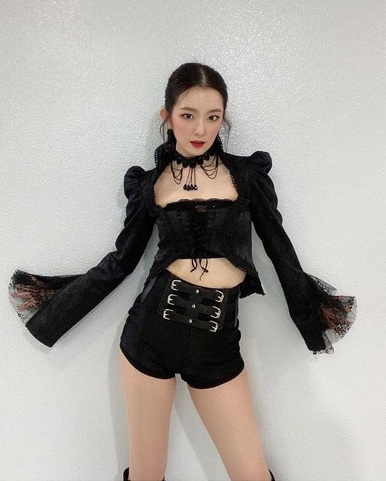 Irene có phong cách sexy táo bạo trong đợt quảng bá Monsters.