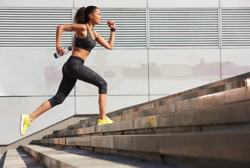 Người chạy có thể tăng sức bền, tốc độ khi luyện tập leo cầu thang. Ảnh: Shutterstock