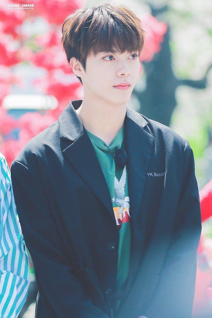 Sau khi rời SM, anh chàng có hoạt động trong các nhóm nhạc như UNB, New Kidd nhưng mãi vẫn không thể thành công, hiện vẫn là một idol ít tên tuổi.