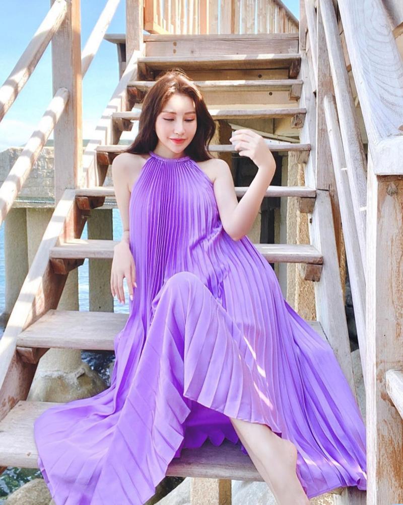 ... hay tím lilac dịu dàng của hoa hậu Lam Cúc.
