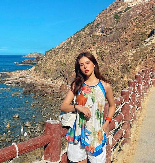 Sau đám cưới với ông xã đại gia, Phanh Lee có chuyến du lịch đến Quy Nhơn.