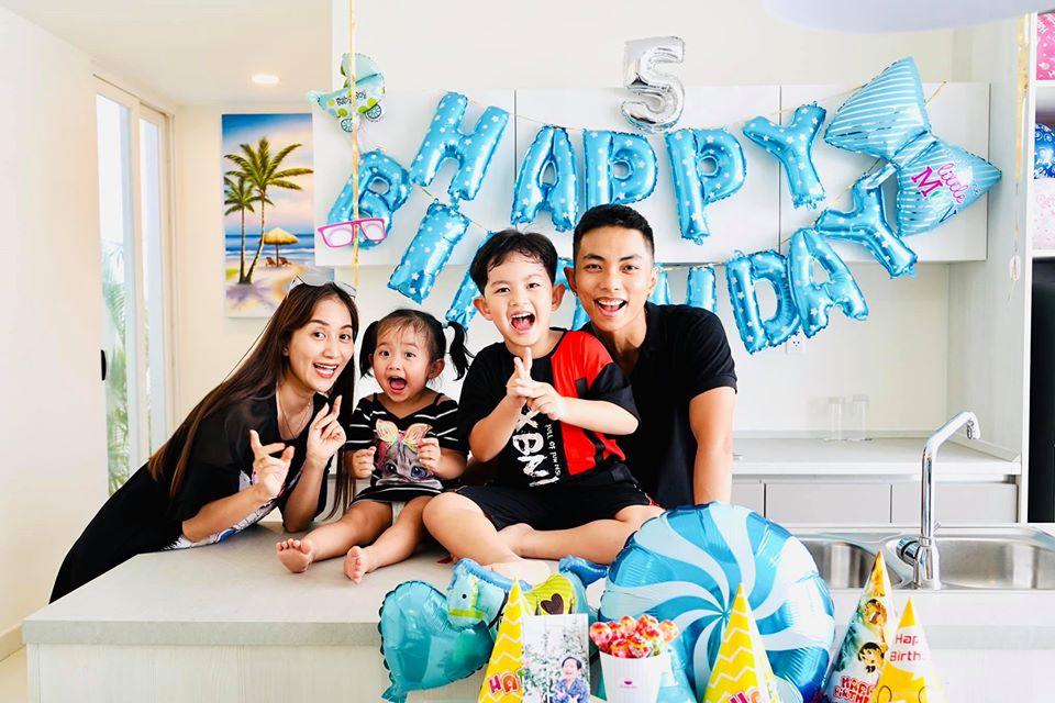 Gia đình Khánh Thi - Phan Hiển mừng sinh nhật Kubi tròn 5 tuổi.