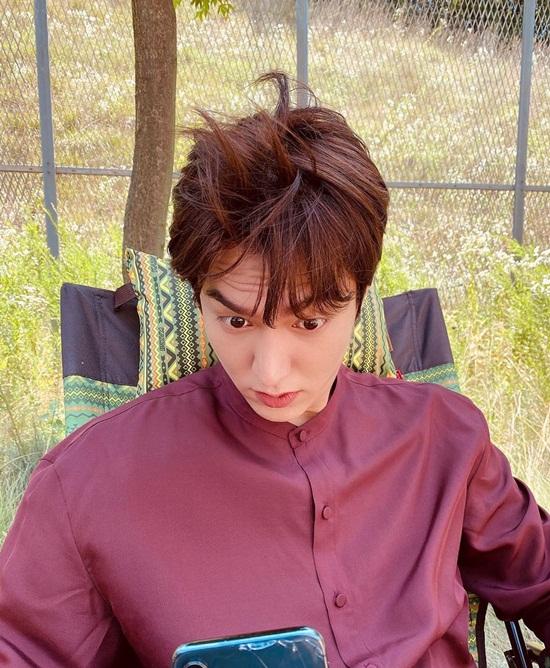 Lee Min Ho có khuôn mặt điển trai nhưng thích chụp selfie mặt xấu.