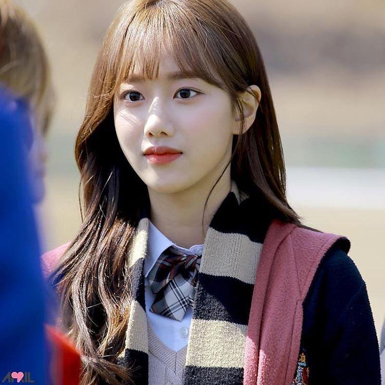 ...và lấn sân diễn xuất. Năm 2019, Na Eun gây chú ý khi đóng vai nữ chính trong webdrama học đường A-TEEN.