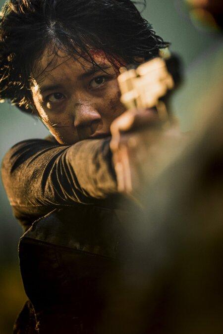 Sao nhí thủ vai Jooni đua xe cực ngầu trong phim.