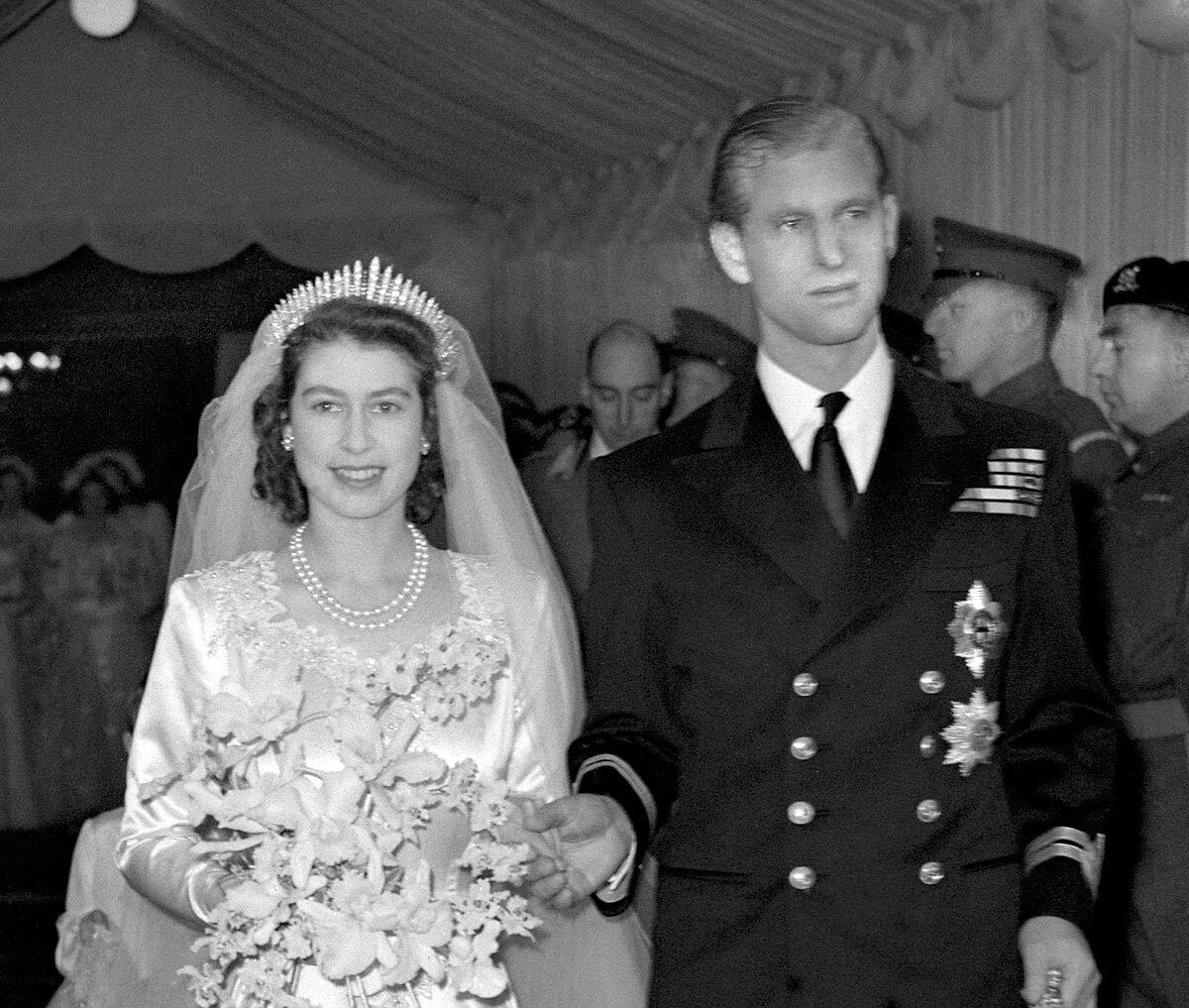 Nữ hoàng trong ngày cưới năm 1947.