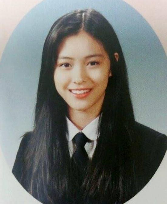 Ảnh tốt nghiệp của idol Kpop: Ji Soo phèn, Yoona đẳng cấp - 4