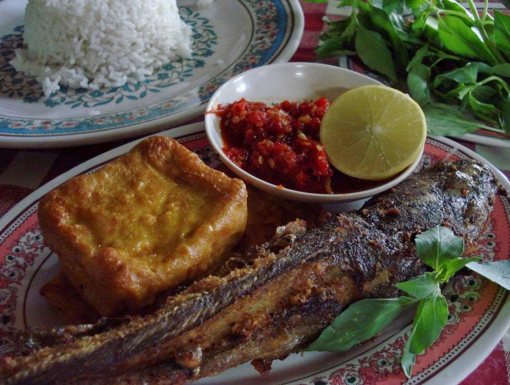 Đố bạn kể tên được 9 món ăn đường phố cực ngon ở Indonesia - 4