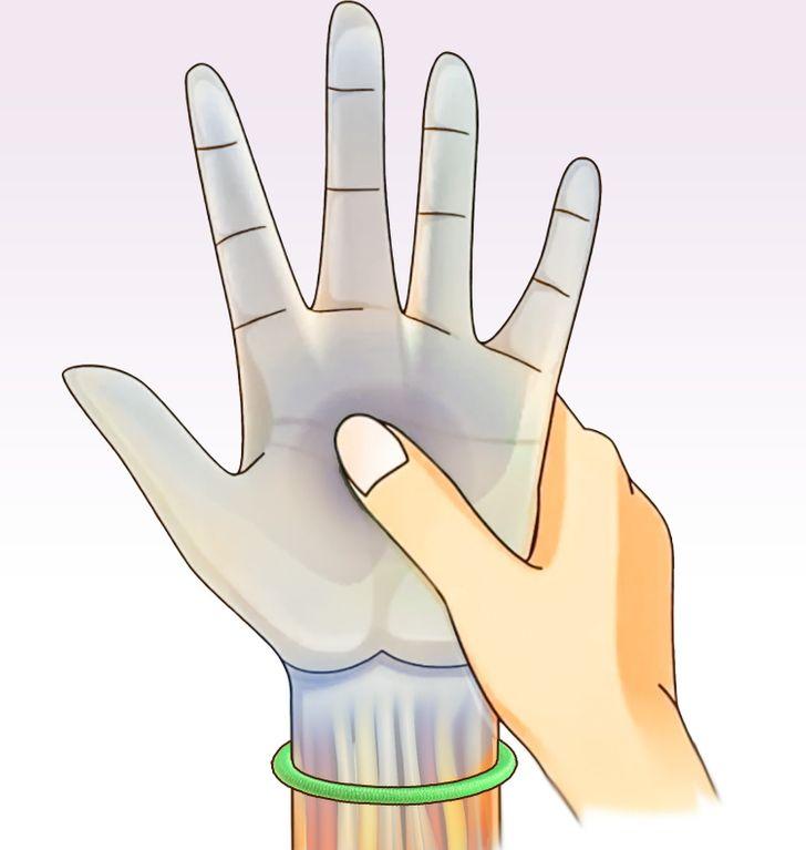 3 lý do nên bỏ thói quen đeo dây buộc tóc ở cổ tay - 3