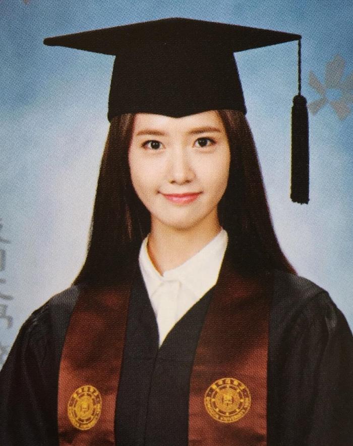 Ảnh tốt nghiệp của idol Kpop: Ji Soo phèn, Yoona đẳng cấp - 12