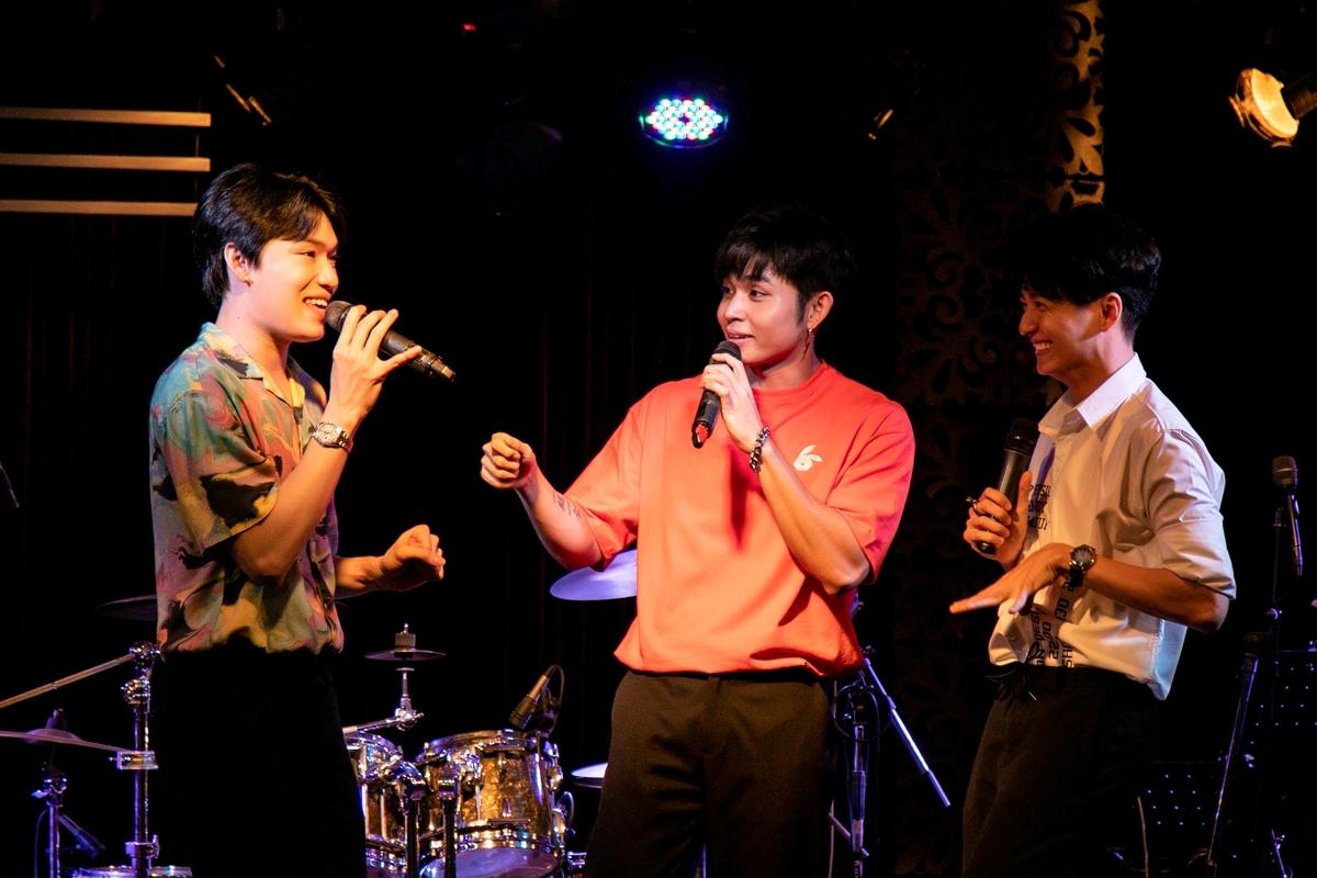 Ba người cùng hát Nupakachi, Tân thời.... Đây là ca khúc chủ đề đầu tiên của loạt vlog Nhà có một người sẽ được Jun Phạm ra mắt vào đầu tháng 8.