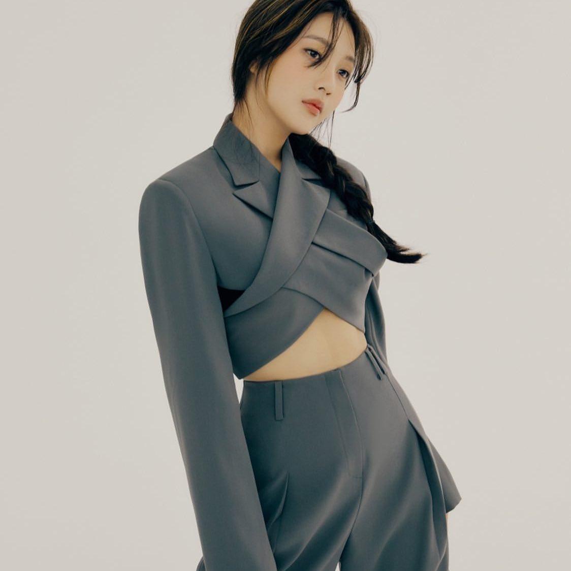 Joy (Red Velvet) bị chỉ trích vì liên tục bắt chước Jennie (Black Pink)