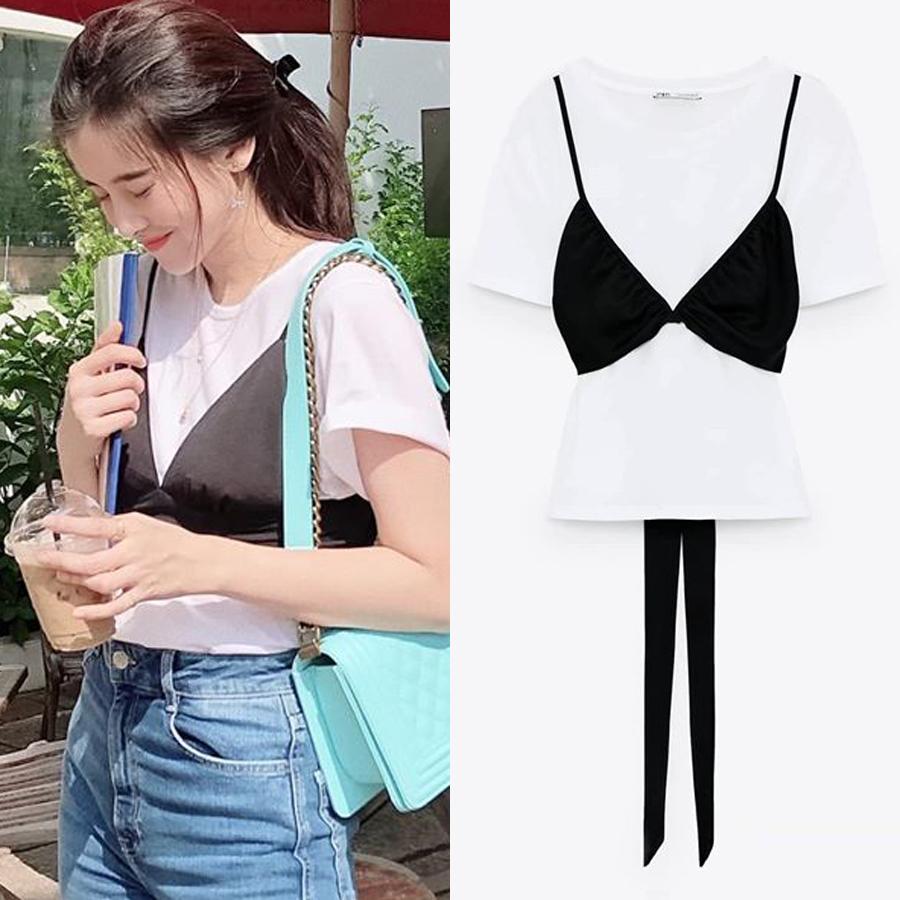Chiếc áo thun giá 500k của Cao Thái Hà được phối hai lớp sáng tạo, tạo cảm giác như đang mặc nội y ngoài áo.