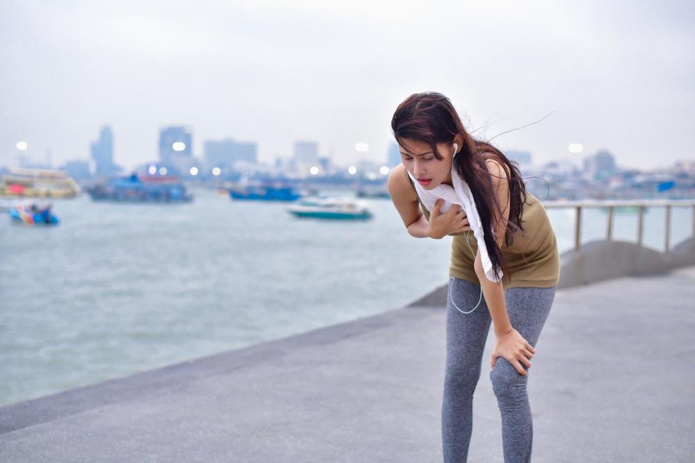 Không nên cố sức chạy nếu cơ thể không khỏe. Ảnh: Shutterstock.