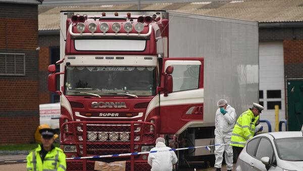Chiếc container chở 39 thi thể được phát hiện tại khu công nghiệp ở Grays, hạt Essex, Anh. Ảnh:PA