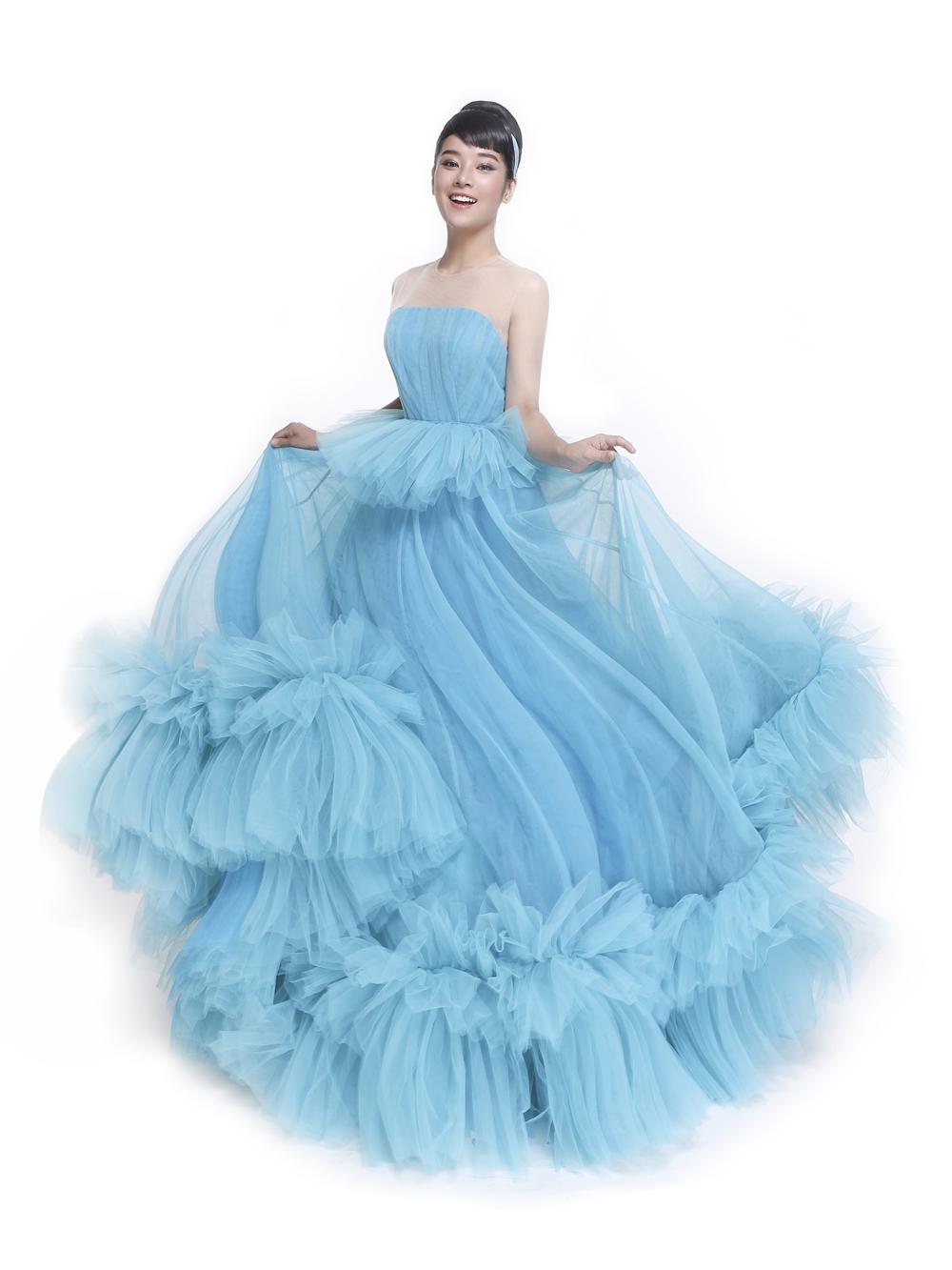 Hoàng Yến Chibi trở thành một nhân vật cực kỳ quen thuộc - nàng Lọ lem Cinderella.