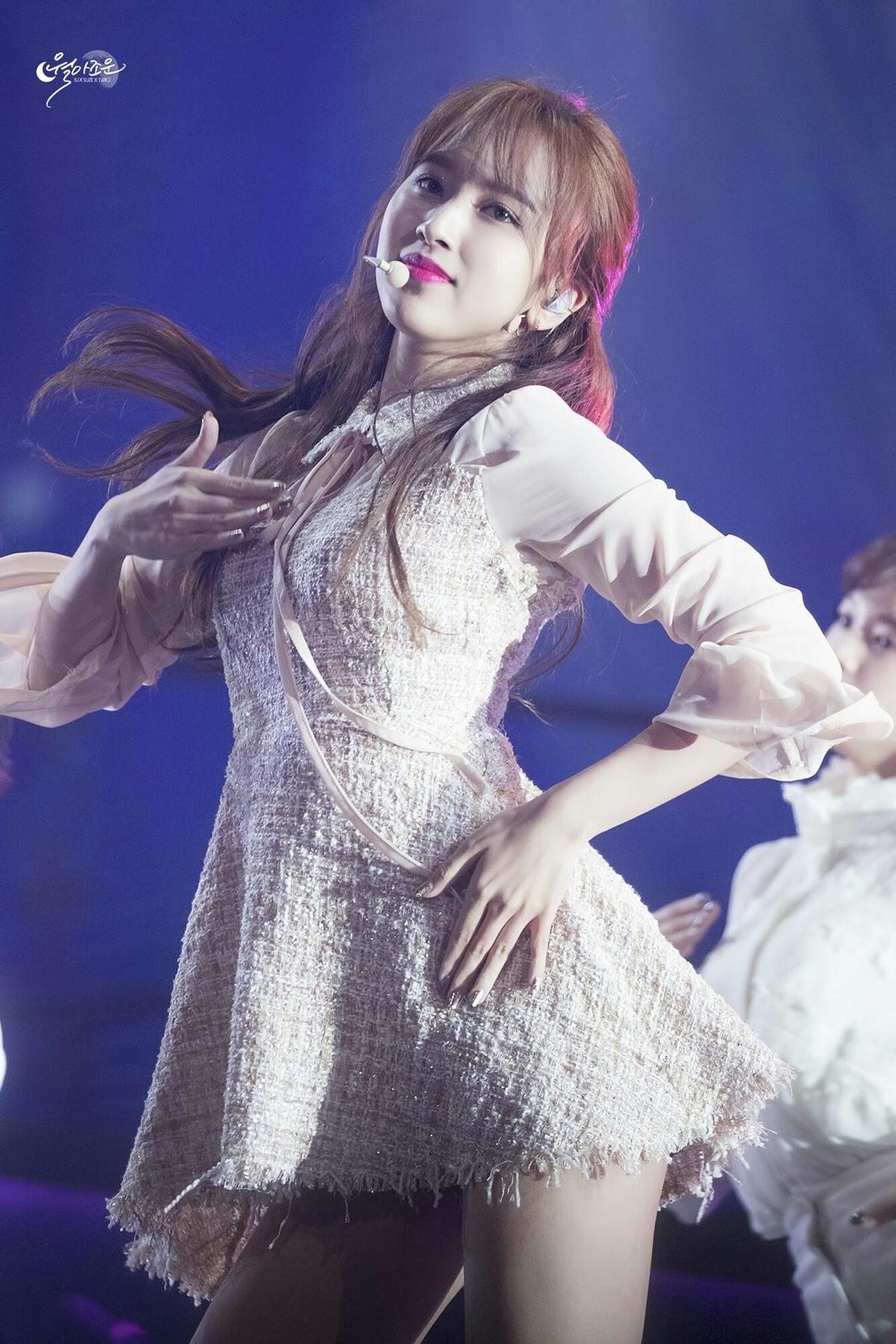 Những bức ảnh chất lượng cao huyền thoại của Mina (Twice) - 14