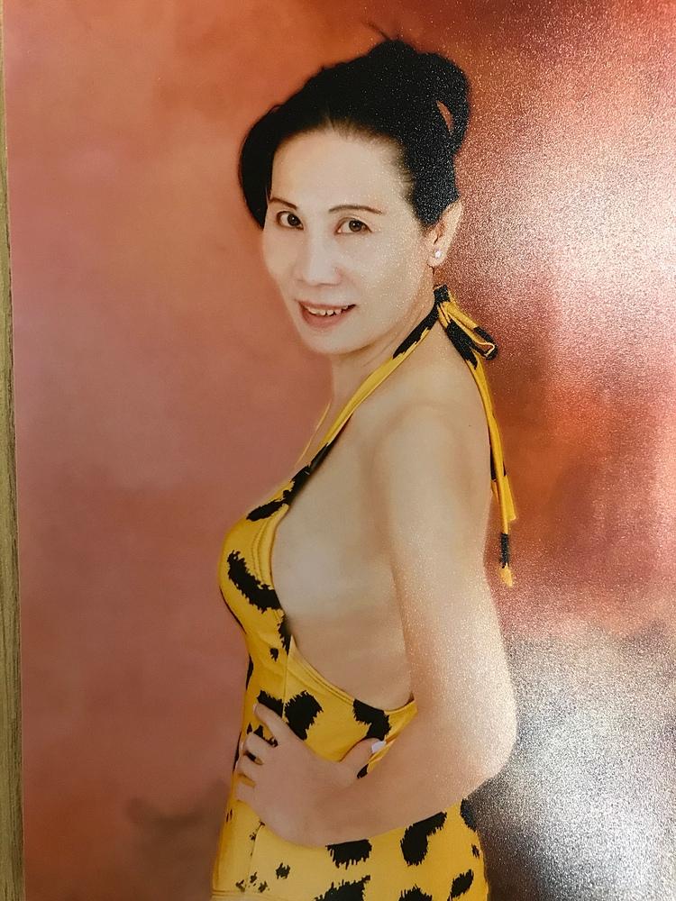 Chị Bích Nga trong trang phục bikini.
