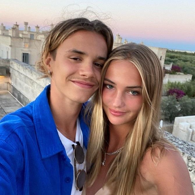 Romeo chụp ảnh tình tứ bên bạn gái Mia. Ảnh: Instagram.