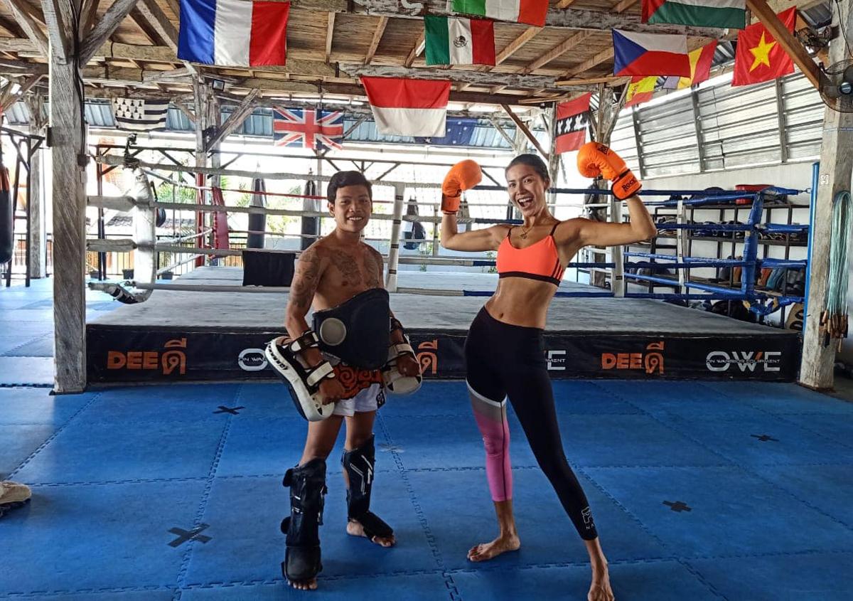 Minh Tú tranh thủ đi tập boxing những ngày cuối ở Bali trước khi được về Việt Nam sau 4 tháng kẹt lại vì Covid-19.