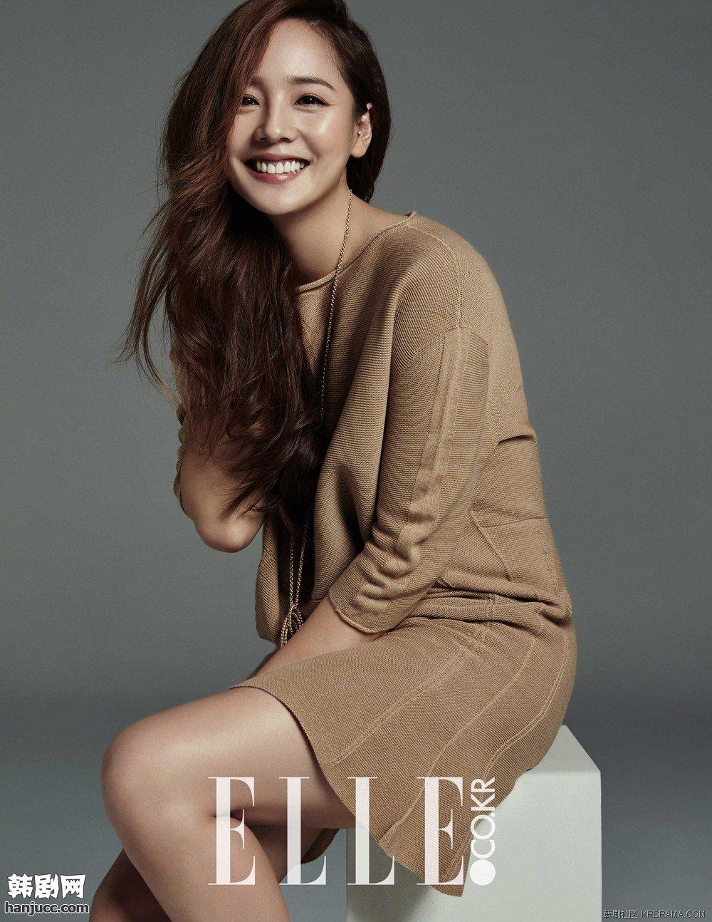 Eugene (Kim Yoo Jin), sinh năm 1981, debut năm 1997. Cô là thành viên nhóm nữ S.E.S kiêm diễn viên, người mẫu quảng cáo. Eugene là mỹ nhân nổi tiếng của làng giải trí Hàn Quốc trong thập niên 90 của thế kỷ trước. Đến nay, nhiều khán giả Hàn vẫn cho rằng Kpop sẽ không bao giờ tìm được một gương mặt hoàn hảo như Eugene - visual tường thành trong lòng người hâm mộ.