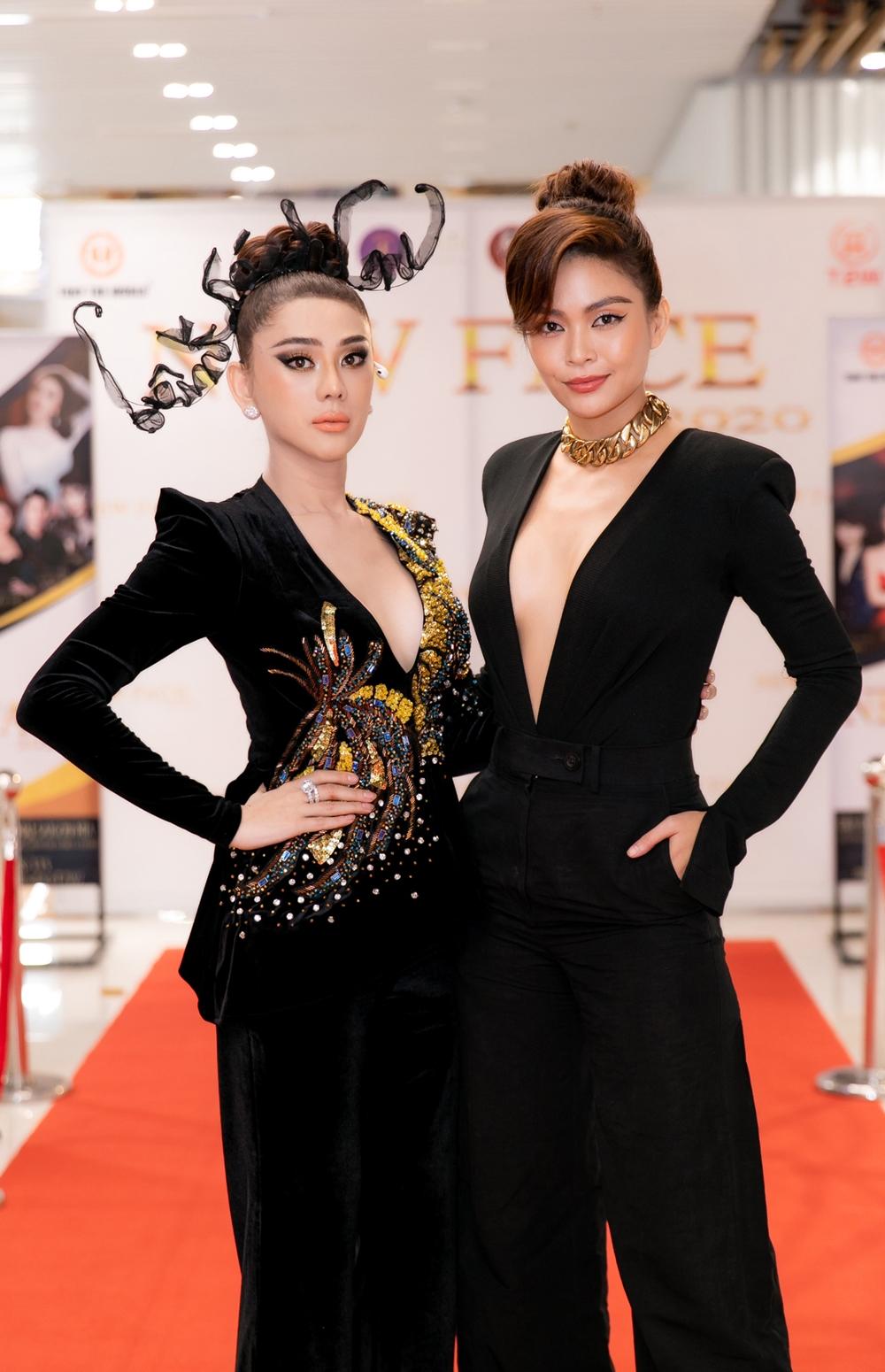 Lâm Khánh Chi và Mâu Thủy đọ nhan sắc. Cả hai hứa hẹn sẽ tạo nên những màn drama kịch tính cho chương trình.