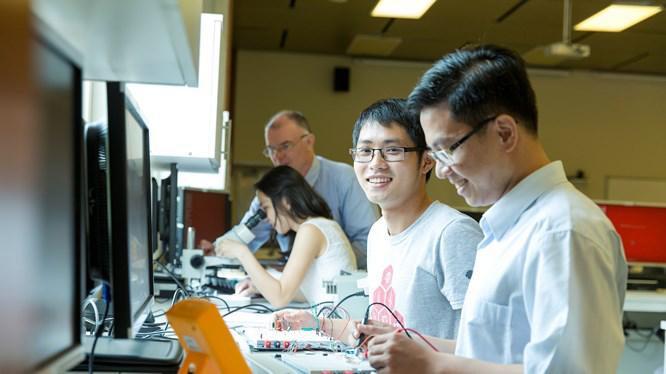 Tại Việt Nam, nhu cầu về biên, phiên dịch tiếng Nhật đang dẫn tăng cao.