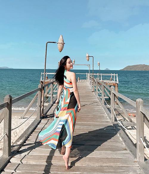 Bảo Thy dự định dành cả mùa hè cho những chuyến du lịch biển, tuy nhiên vì Covid-19, cô phải hoãn kế hoạch nghỉ dưỡng ở Đà Nẵng.