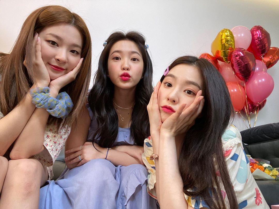 Irene - Seul Gi đáng yêu làm khách mời trong chương trình Yeris Room của em út Red Velvet.