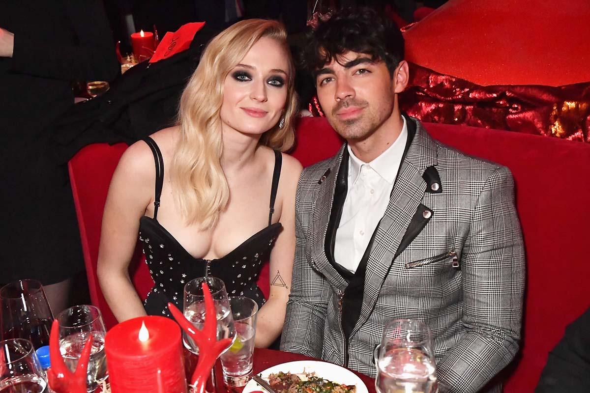Sophie và chồng - ca sĩ Joe Jonas. Ảnh: FilmMagic.