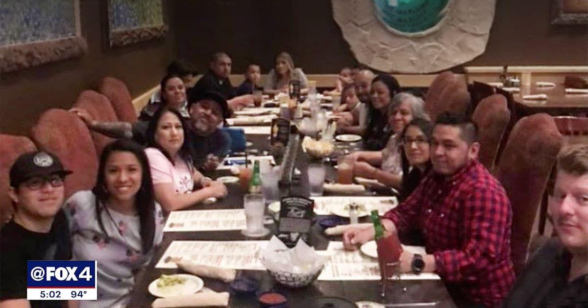 Đại gia đình nhà Green tham dự bữa tiệc gia đình. Ảnh: Fox4.