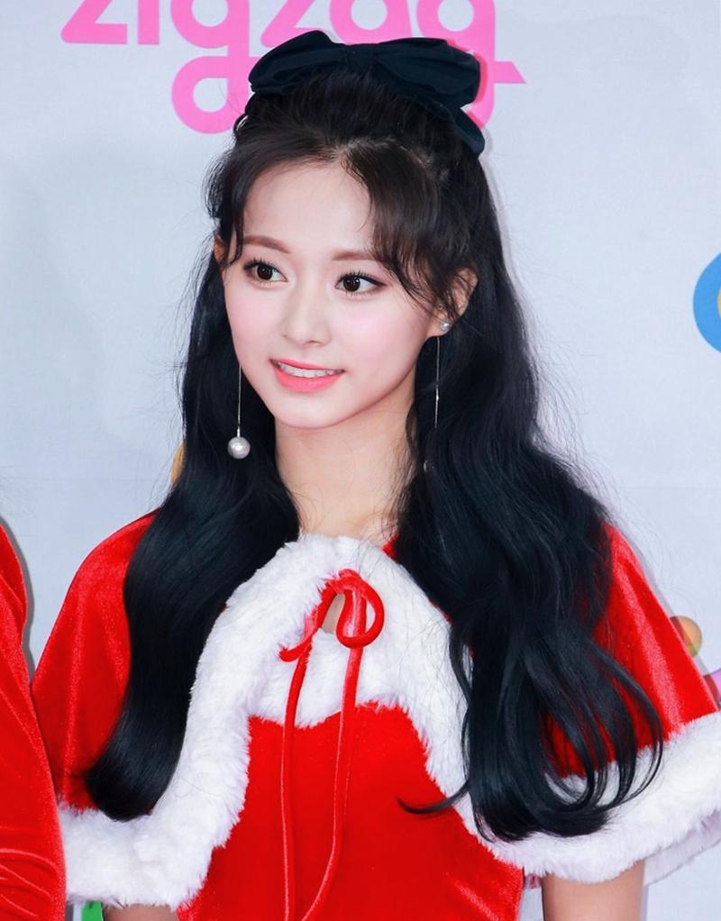 5 mỹ nhân đẹp nhất Kpop được giới idol lựa chọn - 17