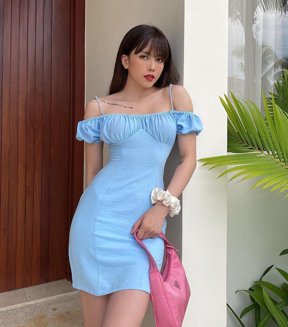 Váy áo xinh xắn ở đây thường có giá trên dưới 500k.