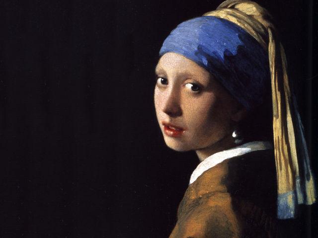 Thiếu nữ đeo hoa tai ngọc trai của Julian Vermeer