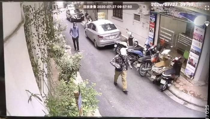Camera ghi lại hình ảnh hai tên cướp. Ảnh: Công an TP Hà Nội.