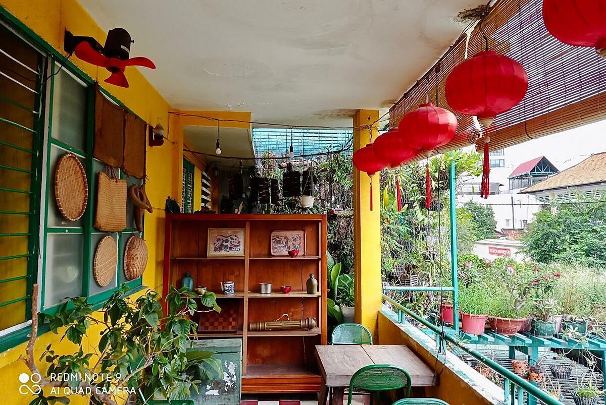 Sài Gòn vẫn có những góc nhà nhỏ được thiết kế theo phong cách truyền thống, mang tới cảm giác hoài niệm, bình yên cho những ai muốn trốn khỏi Sài Gòn vội vã mà không phải đi xa.