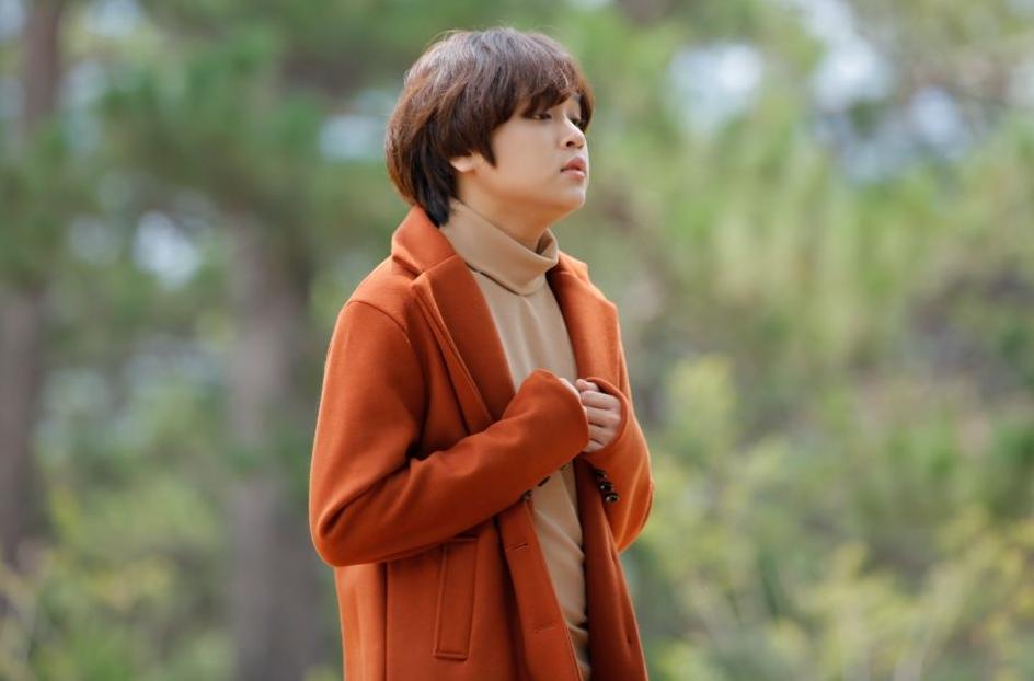 Thiên Khôi chững chạc khi hát ballad.