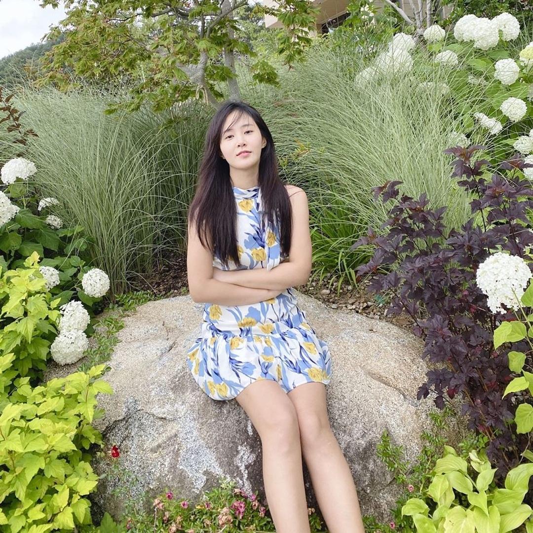 Soo Young tự hào khoe mình chụp ảnh cho Yuri đẹp như tạp chí.